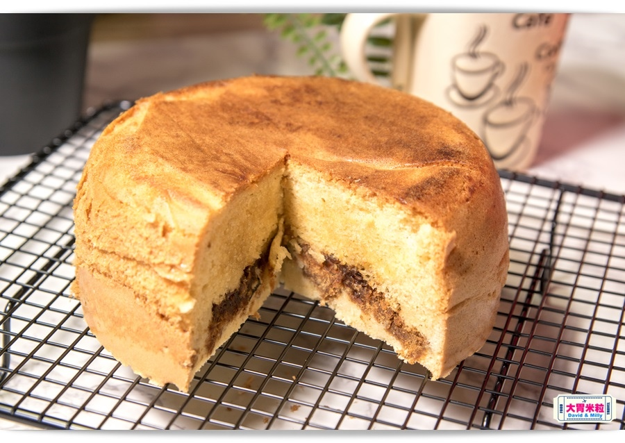 Taiwan PORK AND EGG LAYER CAKE 013.jpg
