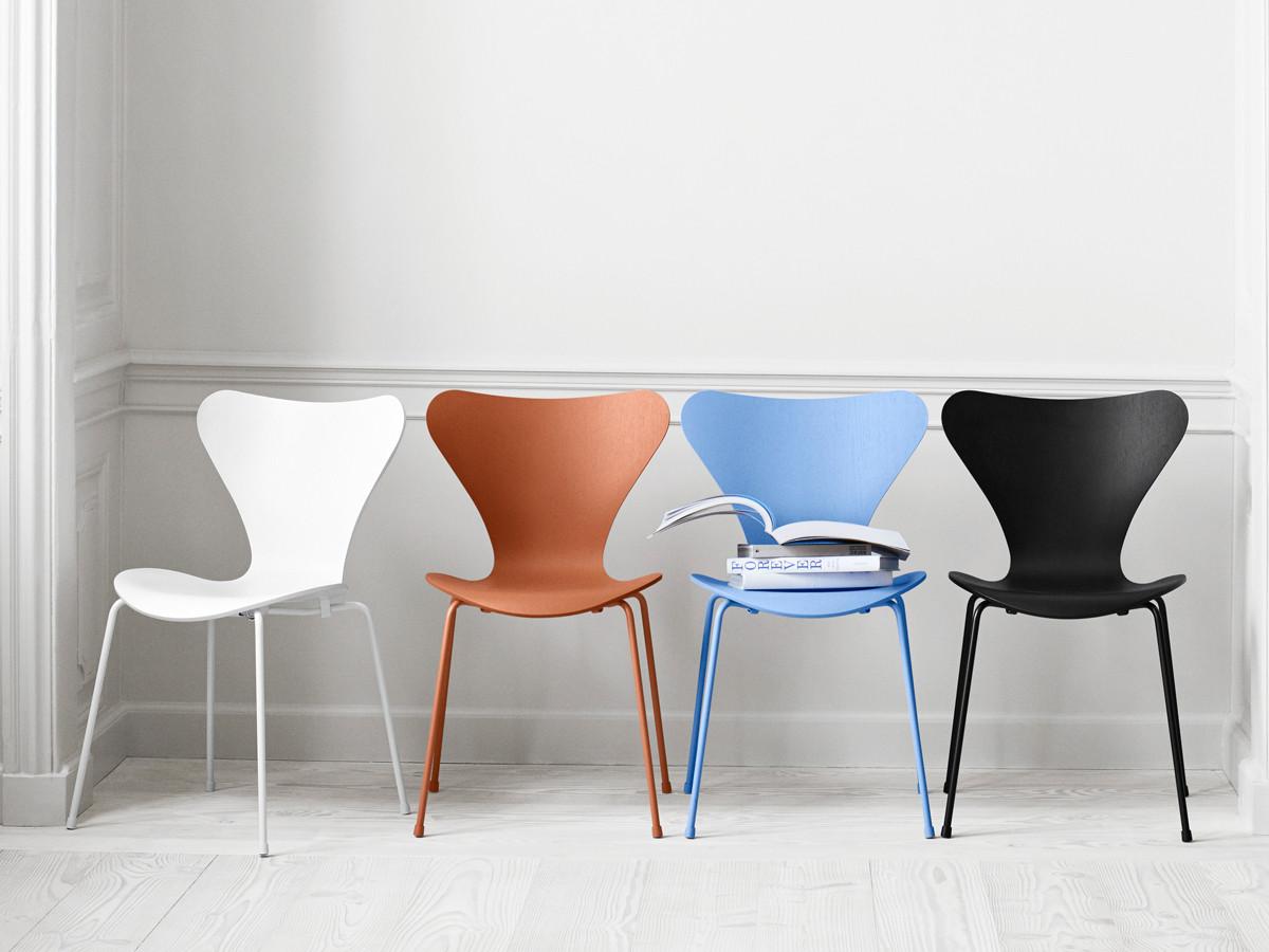 Buy the Fritz Hansen Series 7 Chair Monochrome at Nestcouk
