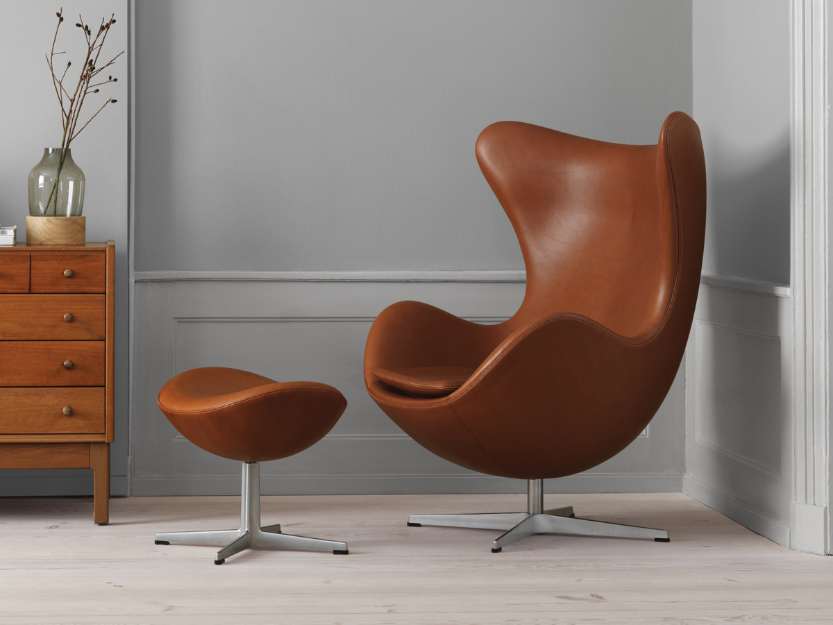 Egg Chairs Buy The Fritz Hansen Egg Lounge Chair Leather At Nest Co Uk