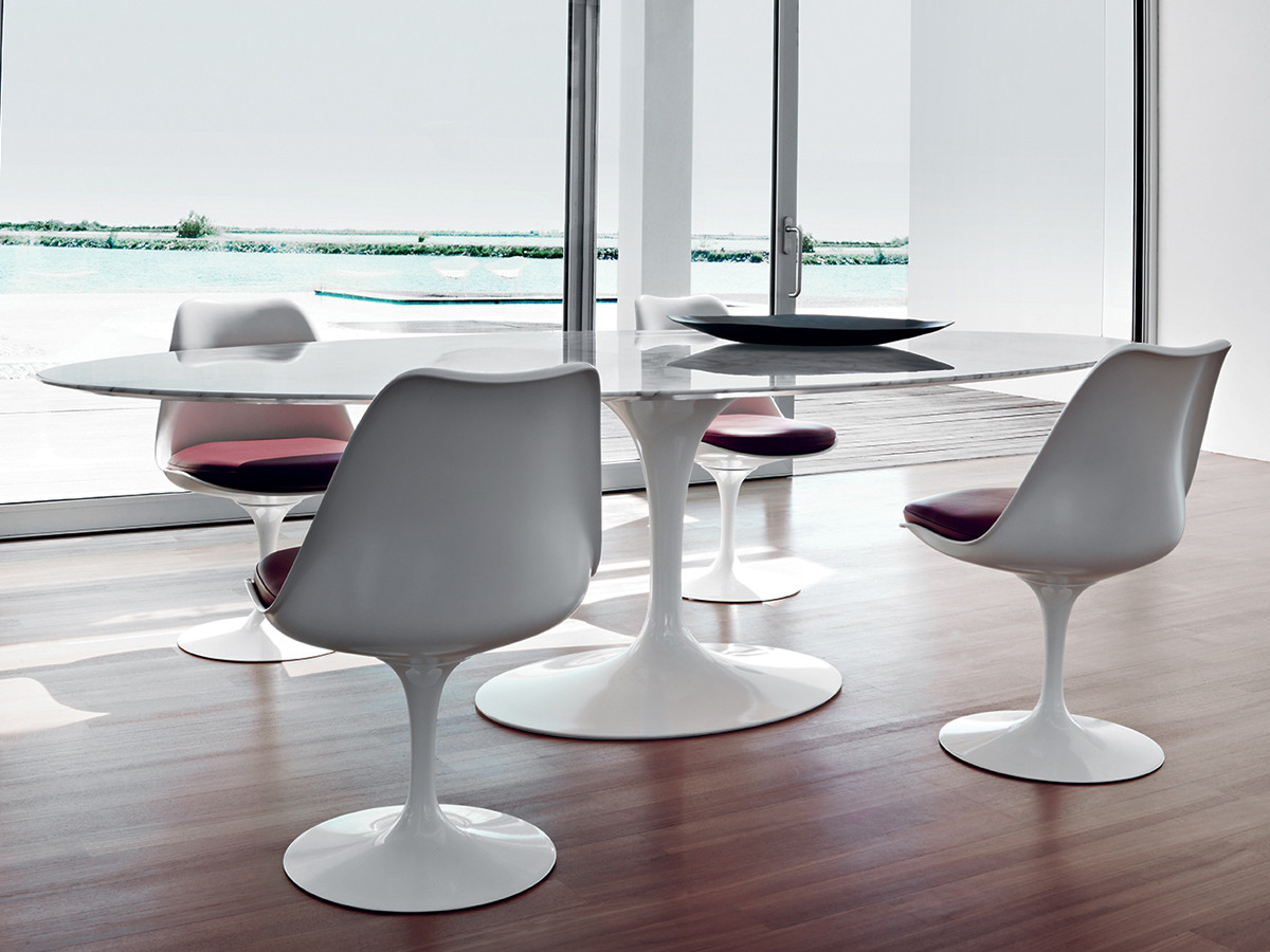 Tulip Table And Chairs Buy The Knoll Saarinen Tulip Large Dining Table Oval At
