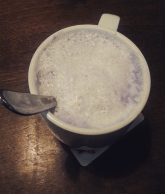 RESTAURANT TRIPS: GREEN GROTTO, MISSISSAUGA   Warm your stomach with a cup of hot taro milk tea.