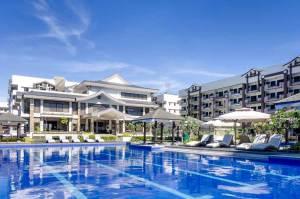 original-rhapsody-residences-lap-pool-area