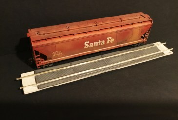 DMC Introduces Grain Unloading Ramps in HO Scale