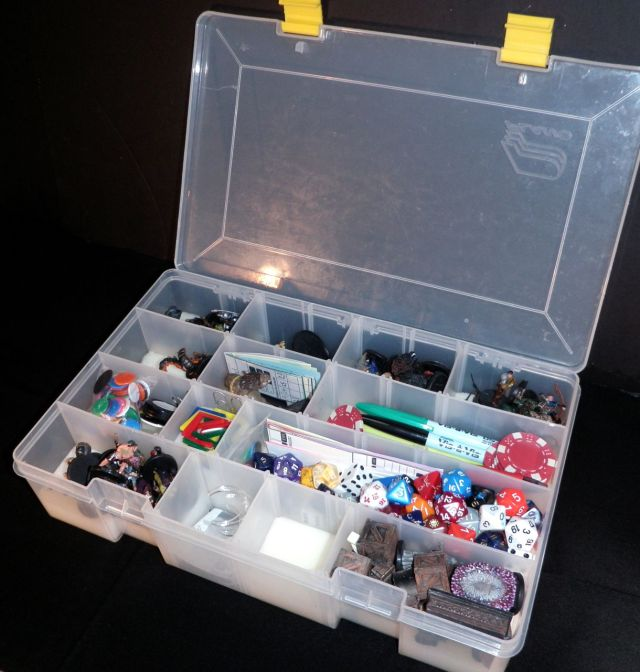 Deep compartment case