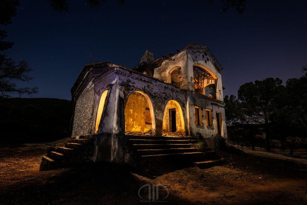 fotografia nocturna casa abandonada dmd