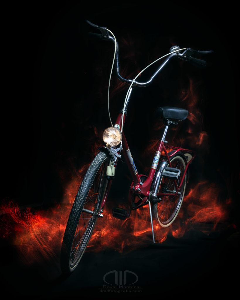 Fotografía nocturna bicicleta BH lightpainting