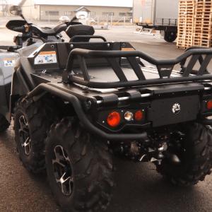 DMG Drilling, vehículo blanco 6x6 para sondeo en selva rear
