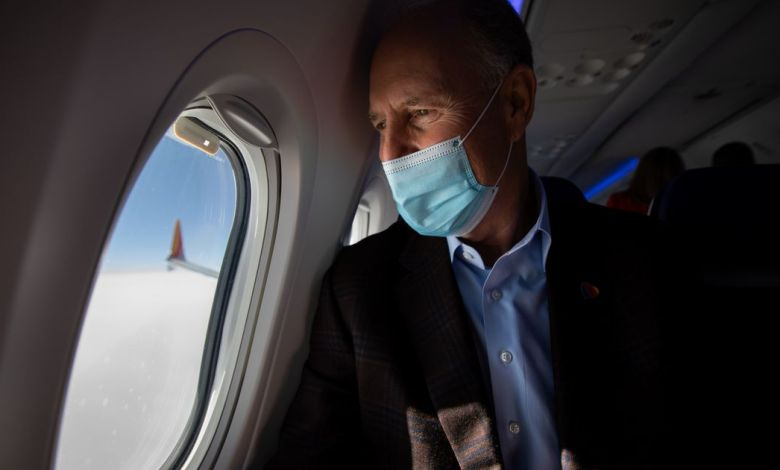 Southwest Airlines' Gary Kelly stepping down as CEO next year, exec Robert Jordan will take over