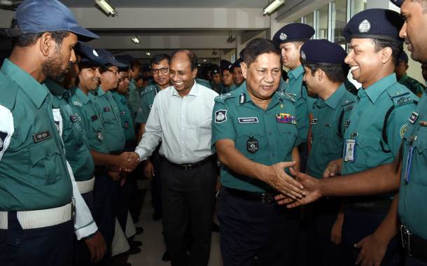 'আমরা দেশের জন্য কাজ করি কোন ব্যক্তির জন্য নয়'- ডিএমপি কমিশনার