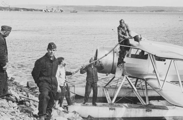 Ved Ambulanseflyets Avgang Til Nord Norge Flyver Hans