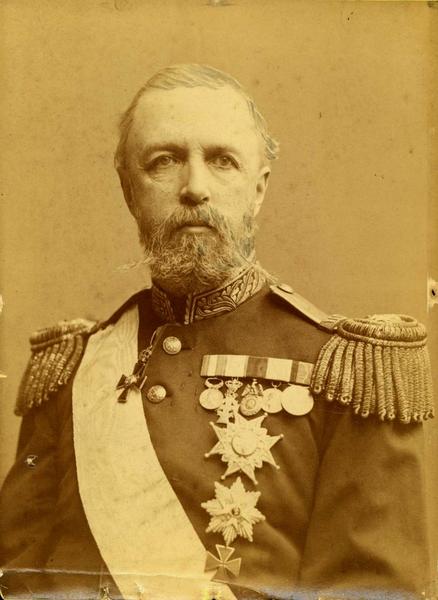 Portrett av Oscar II (1829-1907), Sverige og Norges konge. Kabinettformat. - Norsk Folkemuseum / DigitaltMuseum