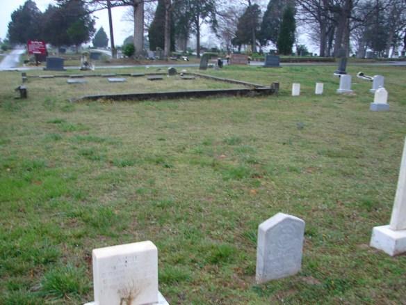 Estes Oak Ridge unmarked graves