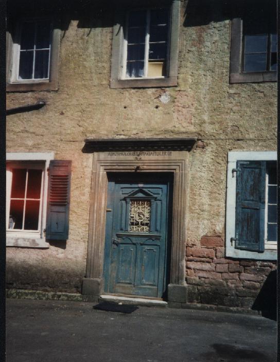 Steinwenden blue door