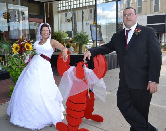 Wedding lobster bride and groom