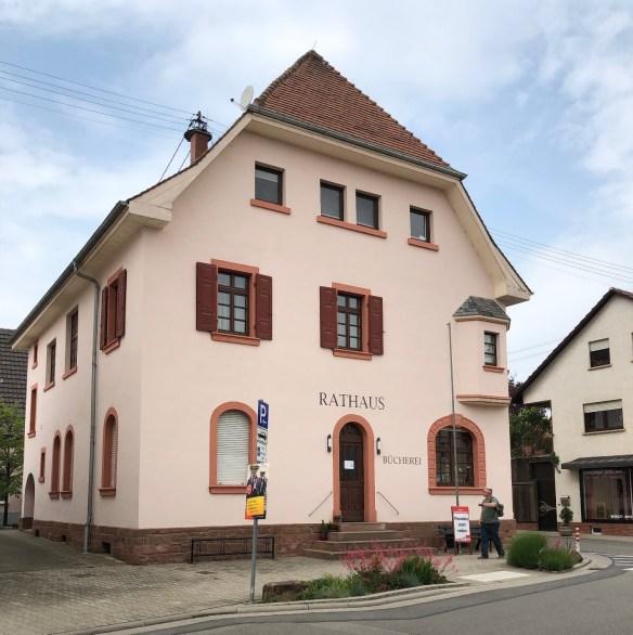 Fussgoenheim Rathaus