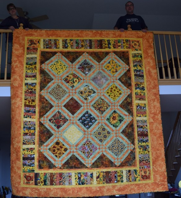 Quilt sunflower wedding.jpg