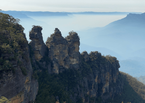 Australia Blue Mountain Three Sisters.png