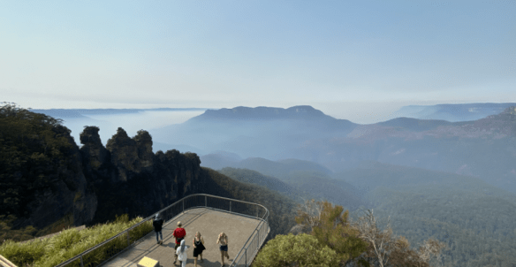 Australia Blue Mountain overlook 2.png