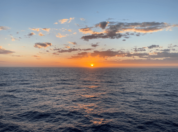 Australia sunsset sea.png