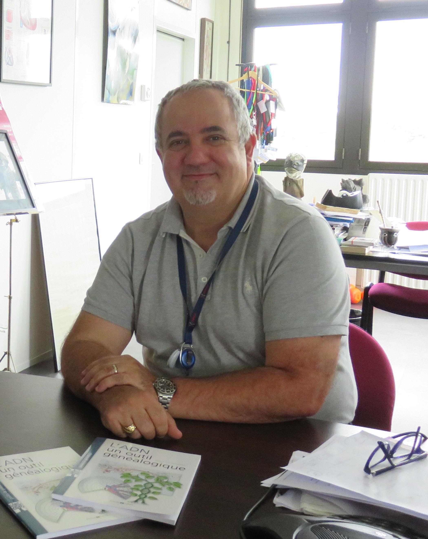Jean-François Deleuze, dans son bureau du CNRGH