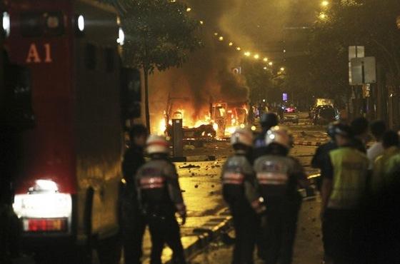 singapore-little-india-riots-december-2013-martin-pasquier-blog