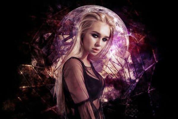 Мистическая леди