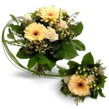 Κεφάτο Μπουκέτο Όμορφες ζέρμπερες και τριαντάφυλλα σε σομόν αποχρώσεις