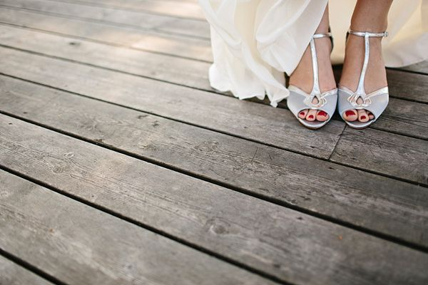 THESE 9 WEDDING HACKS WILL SAVE YOU TIME AND MONEY