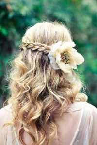 10 Amazing Wedding Hairstyles for Curly Hair | Woman ...