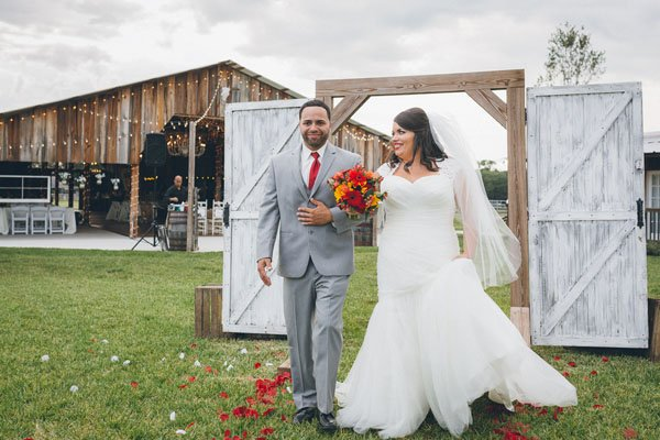 A Bright Fall Wedding At The Wishing Well Barn Woman Getting Married