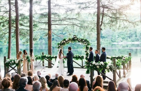 Wedding Venue Review Cedar Lakes Estate In The Hudson Valley