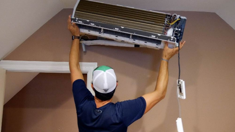 medium resolution of next i slowly lifted the inside unit from the wall bracket and gently laid it on the ground mrcool diy ductless mini split