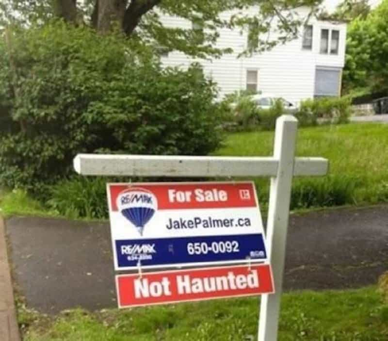 10 Real Estate Signs That Are Hilarious
