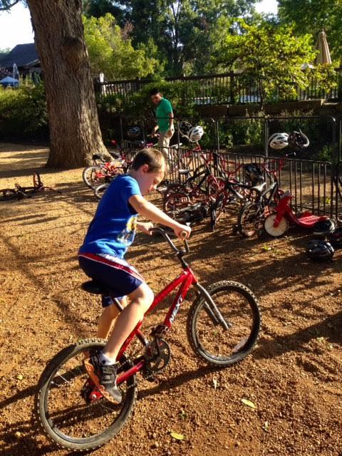 Hyatt_bikecorral