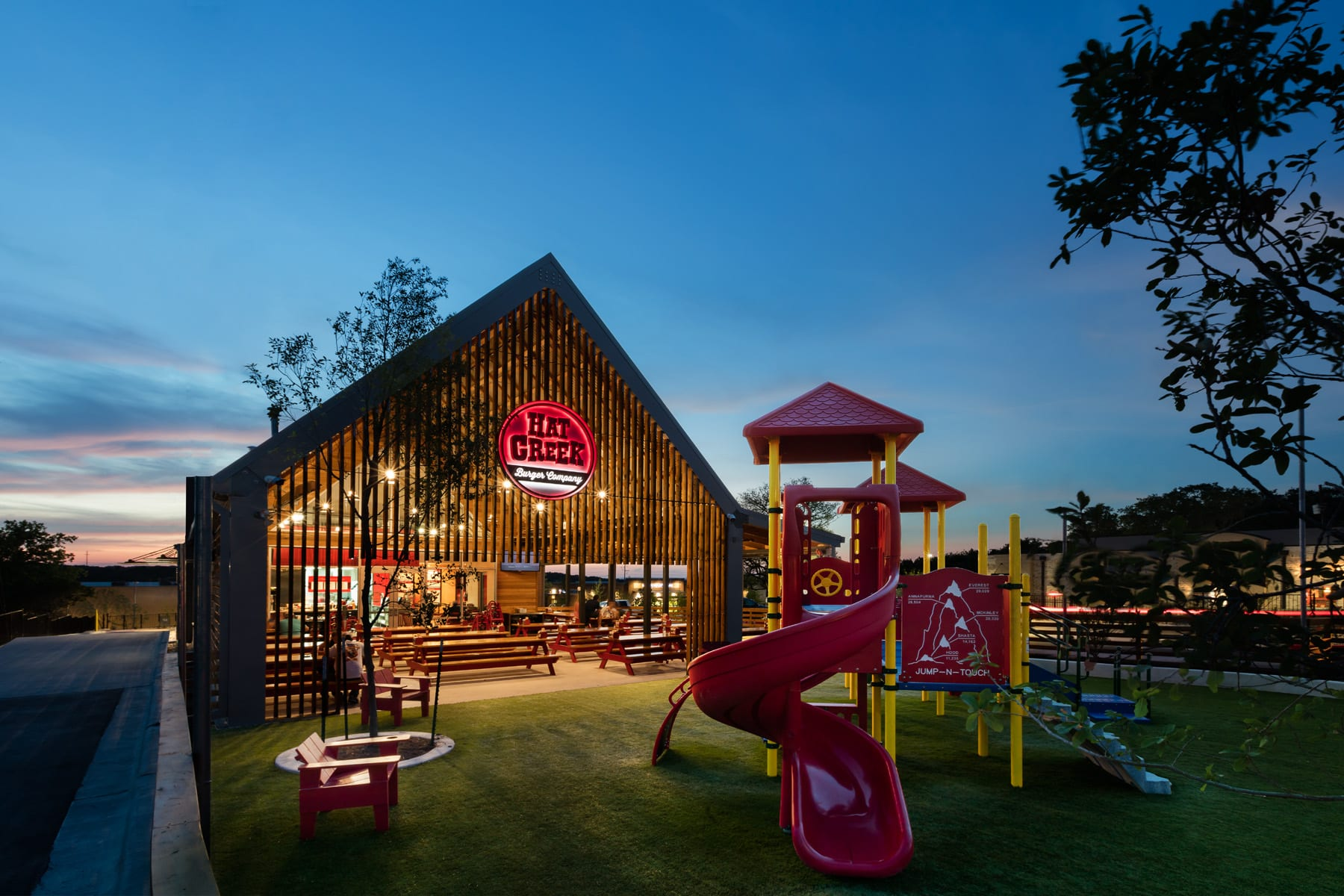 Hat Creek Burger Company S Eatandplay Giveaway Do512 Family
