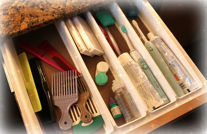 Toothbrush Drawer Clean 1