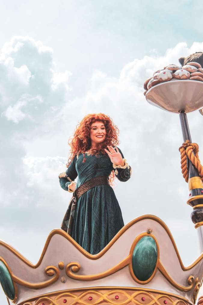 Everything you need to know about Disney's Festival of Fantasy parade including best viewing spots, parade route, and timing! #disney #disneyworld #waltdisneyworld #wdw #magickingdom #festivaloffantasy #magickingdomparade #fofparade #disneytips Festival of Fantasy | Disney Parade | Disney Tips | Disney advice | Disney hacks | Disney world | Walt Disney World | WDW | disney shows | Disney Magic Kingdom | Magic kingdom things to do | Magic kingdom day parade | where to watch magic kingdom parade