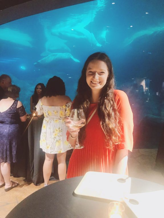 An entire night of food and wine at the Georgia Aquarium in Atlanta, Georgia...Aqua Vino is a night of live musical, local-inspired food tastings, and varieties of wine sampling! #georgiaaquarium #thingstodoinatlanta #atlantamustdo #eventsinatlanta Atlanta Georgia events  | things to do in atlanta | special events in atlanta | georgia aquarium events | aqua vino event georgia aquarium | stuff to do in atlanta | atlanta blogger | atlanta georgia blog | atlanta GA