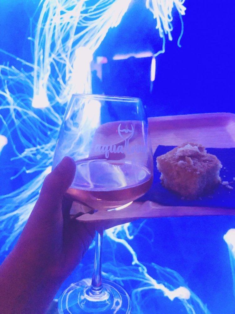 An entire night of food and wine at the Georgia Aquarium in Atlanta, Georgia...Aqua Vino is a night of live musical, local-inspired food tastings, and varieties of wine sampling! #georgiaaquarium #thingstodoinatlanta #atlantamustdo #eventsinatlanta Atlanta Georgia events   things to do in atlanta   special events in atlanta   georgia aquarium events   aqua vino event georgia aquarium   stuff to do in atlanta   atlanta blogger   atlanta georgia blog   atlanta GA