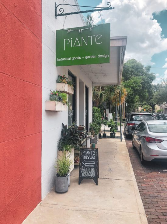 Located just 20 minutes north of the happiest place on earth, Winter Park is a charming town filled with world-class art museums, an upscale shopping district, fine-dining, sidewalk cafes, and luxury accomodations. This is your ultimate guide to Winter Park Florida! #vacation #travel #trip #springbreak #summer #traveltips #thingstodo #winterpark #florida #centralflorida #orlando #visitflorida #floridavacation #floridatrip Things to Do in Winter Park Florida   Things to do in Orlando Florida