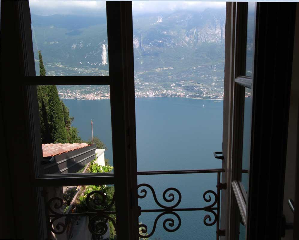 Unesclusiva vista sul Lago di Garda alla Locanda al Castelletto  Dobbiamo Andare