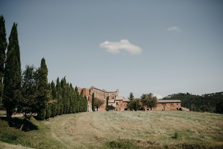 Wedding at San Galgano Abbey - Tuscany Wedding - Doblelente - Nira y Alberto