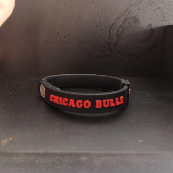 vong-tay-bong-ro-cao-su-nba-chicago-bull-den