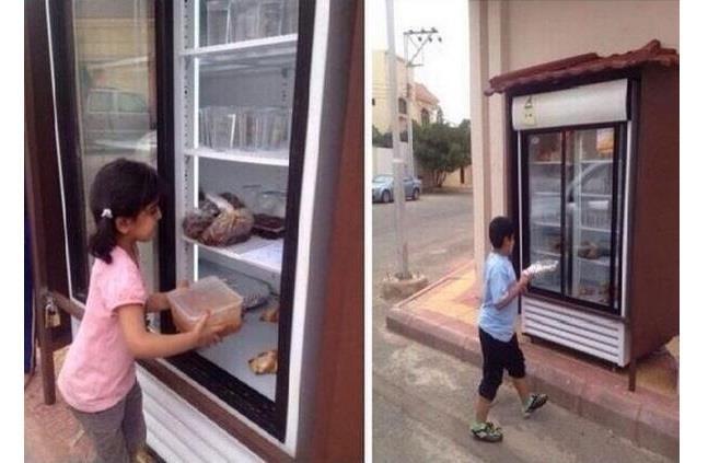 Saudi-street-refrigerator-feeds-needy-Akhbaar24-