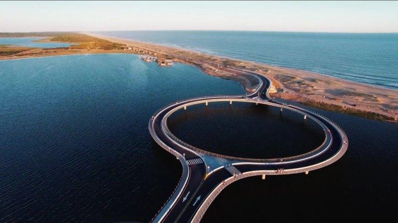 z19534944IH,Most-na-lagunie-Garzon