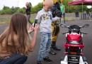 Motocykliści kupili choremu chłopcu replikę BMW S1000RR
