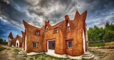 Para zbudowała sobie bajkowy zamek w Transylwanii
