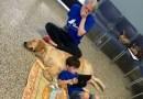 Pierwsze spotkanie autystycznego chłopca z psem  – mama we łzach