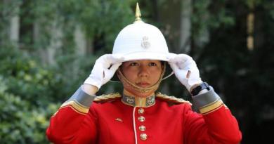 Pierwszy raz w historii na czele królewskich gwardzistów stanęła kobieta