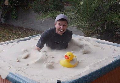 Były inżynier NASA stworzył piasek, który zachowuje się jak woda
